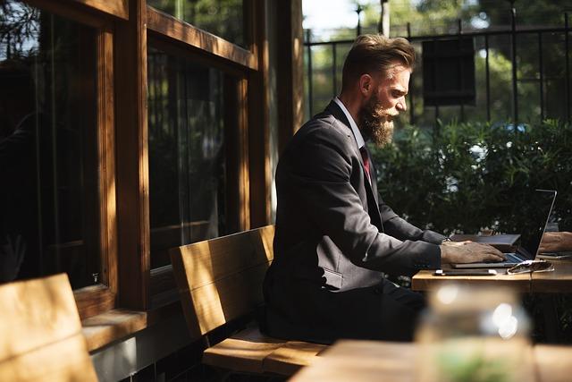 podnikatel v kavárně