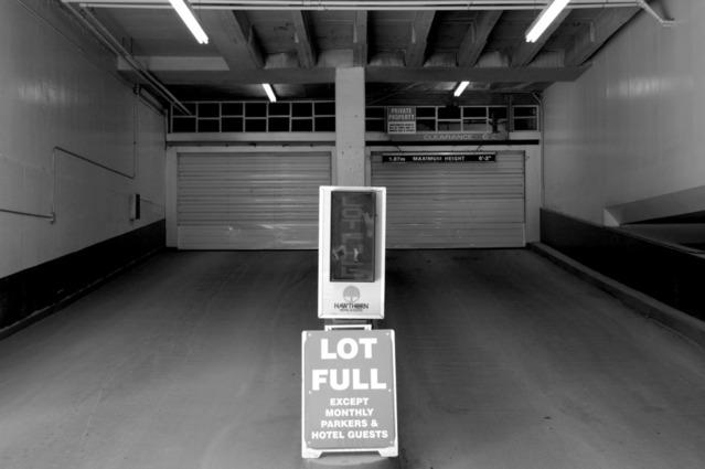 zářivková tělesa v garáži
